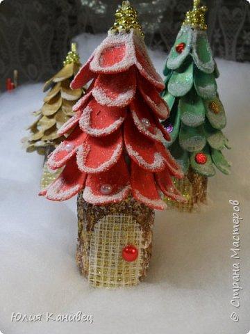 Мастер-класс Новый год Моделирование конструирование Новогодние ёлочки-домики фото 1