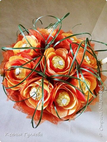 Осенняя корзинка с попыткой сделать розы, по всем мастер классам, которые смогла найти))  итог: розы на розы не похожи, но и ни на один цветочек из всех мастер классов тоже не похоже)))  ну уж что получилось то получилось фото 2