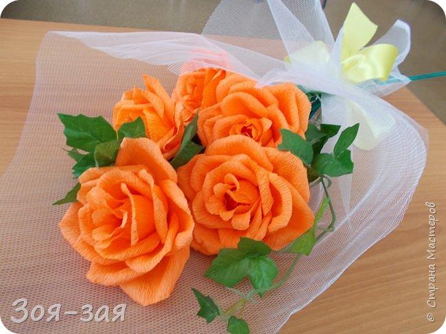 Этими бутылочками с горячительными напитками мы поздравляли наших музчин с 23 февраля.)))Внутри цветочка-конфетка(закусь))))) фото 20
