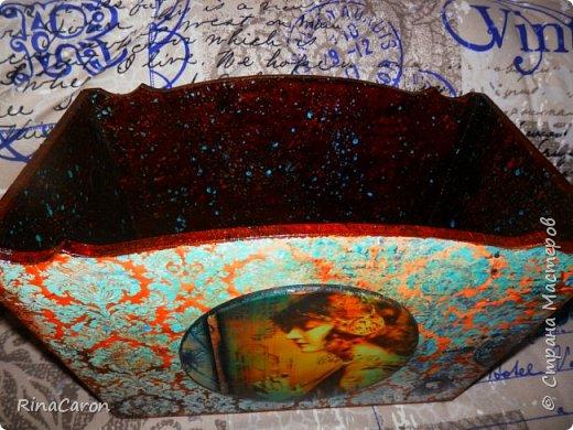 Журнальница или короб для рукоделия Большой вместительный короб. Для спиц, ниток для вязания или под журналы мод. Украшен медальоном фото 7
