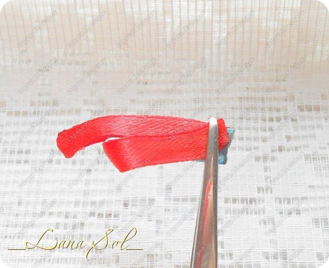 Мастер-класс Украшение Цумами Канзаши МК нового лепесточка для бантика Снежинка Ленты фото 9