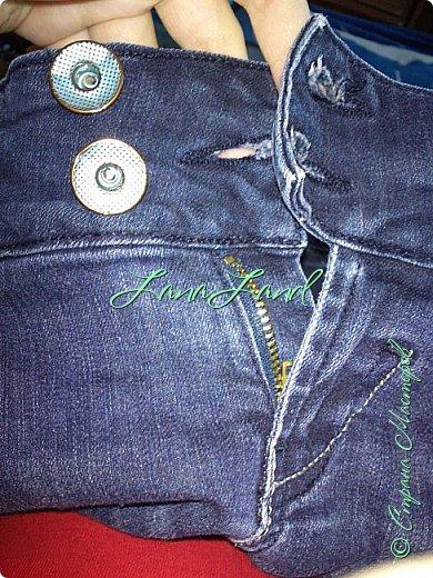 """здравствуйте,мои дорогие ,делюсь с вами как можно увеличить размер любимых джинс, уверена у каждой есть любимые,идеально сидящие штанцы,которые в поясе становятся маловаты))))животик растет,купила я себе брючки для беременных и спортивные штанишки,но джинсы,как ни крути вещь универсальная и подходит подо всё,искала я по магазинам беременные джинсики,но качество было просто ужас,а расцветка вообще кошмар,да и поддержки для живота в магазинных моделях совершенно нет,поэтому хочешь сделать хорошо,сделай сам)))решила из любимых сотворить""""чудо""""))) джинсики для пузика своими ручками из старых джинс и футболки, работа заняла 1,5 часа   фото не переворачивается ((( фото 4"""