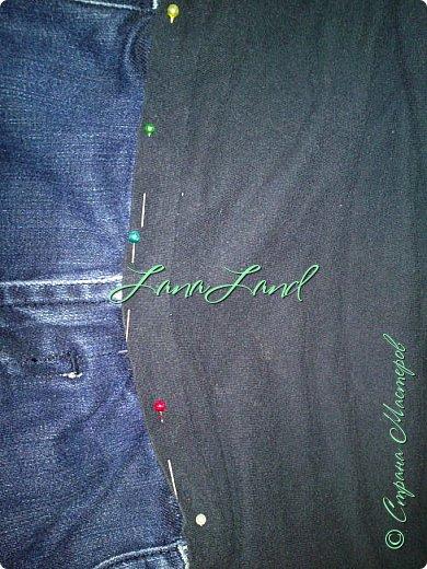 """здравствуйте,мои дорогие ,делюсь с вами как можно увеличить размер любимых джинс, уверена у каждой есть любимые,идеально сидящие штанцы,которые в поясе становятся маловаты))))животик растет,купила я себе брючки для беременных и спортивные штанишки,но джинсы,как ни крути вещь универсальная и подходит подо всё,искала я по магазинам беременные джинсики,но качество было просто ужас,а расцветка вообще кошмар,да и поддержки для живота в магазинных моделях совершенно нет,поэтому хочешь сделать хорошо,сделай сам)))решила из любимых сотворить""""чудо""""))) джинсики для пузика своими ручками из старых джинс и футболки, работа заняла 1,5 часа   фото не переворачивается ((( фото 13"""