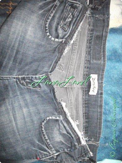 """здравствуйте,мои дорогие ,делюсь с вами как можно увеличить размер любимых джинс, уверена у каждой есть любимые,идеально сидящие штанцы,которые в поясе становятся маловаты))))животик растет,купила я себе брючки для беременных и спортивные штанишки,но джинсы,как ни крути вещь универсальная и подходит подо всё,искала я по магазинам беременные джинсики,но качество было просто ужас,а расцветка вообще кошмар,да и поддержки для живота в магазинных моделях совершенно нет,поэтому хочешь сделать хорошо,сделай сам)))решила из любимых сотворить""""чудо""""))) джинсики для пузика своими ручками из старых джинс и футболки, работа заняла 1,5 часа   фото не переворачивается ((( фото 5"""