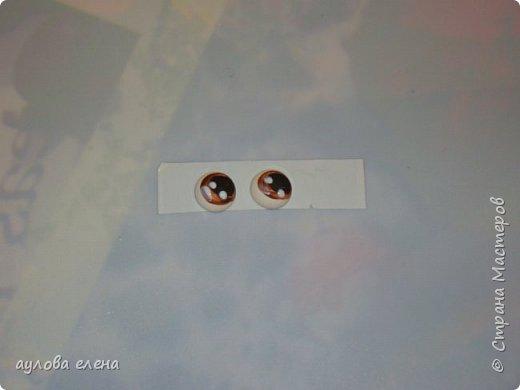 """Доброго времени суток всем, кто заглянул на мою страничку! Предлагаю сделать магнитики- сувенирчики, которые обязательно порадуют ваших друзей и знакомых. Делать их совсем не сложно и очень интересно))) Материалы, которые нам понадобятся: капрон синтепон пряжа фактурная проволока для ушек диаметром 0.6-1 мм глазки, реснички иглы для кукол, нитки швейные бусины, декоративная тесьма горячий клеевой пистолет клей """"Титан"""" фото 23"""
