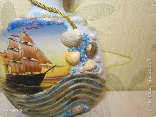 Море-море, мир бездонный, Пенный шелест волн прибрежных... Очень люблю я эту песню Ю.Антонова и не меньше песни обожаю море. Кто же не любит море? Его бескрайняя красота манит, притягивает, очаровывает... Эх, размечталась я что-то в эту пасмурную, дождливую пору... Здравствуйте, мои хорошие! Эти морские работы можно назвать и мужскими, не всегда приходят идеи для создания подарков для сильной половины человечества. Поэтому пока мой муз меня посетил, наваялись вот такие презенты))) фото 3