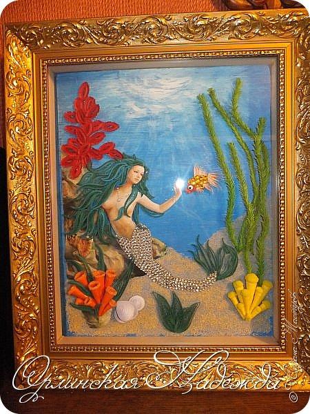 """Добрый вечер, уважаемые жители Страны Мастеров!  Выставляю на Ваш суд очередную работу.  Благодарю Мастеров у которых могла посмотреть и поучиться: Лизу ( azil ) - волосы """" Голубого Ангела """",  Татьяну ( Saphir ) - """" Золотая рыбка """",  Ольгу Ольшак - жемчужина и красные кораллы,  Елену ( Дама-кусудама ) - морские водоросли и губки.     Рыбка, рыбка помоги, золотая сделай милость...  Загадывайте желания!!! фото 2"""