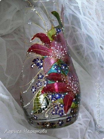 314302_p1350093 Вазы из стеклянных бутылок: декор, роспись и обрезка