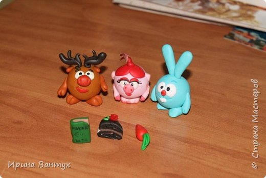 Разные игрушки и зверюшки животные из