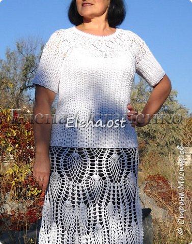 У нас бабье лето, тепло. Решила выгулять белый костюм с ананасами. Костюм связала из Софист от ЯрнАрт. Ушло примерно 1 кг пряжи. Крючок 1.75, 2, 2.5.  фото 4