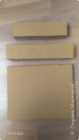 Комод из картона под мулине на бобинах фото 3