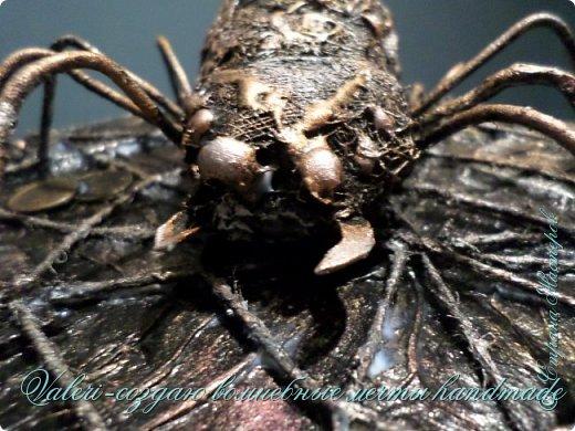 ДРУЗЬЯ, привет!!! Создала три новых работы, хочу поделиться с Вами!  Сразу предупреждаю, фоток как всегда много, так что, будте готовы)) Первая: ключница-черепаха, встречала разнообразных черепашек у нас в Стране, дам ссылочки на некоторые, особо понравившиеся: https://stranamasterov.ru/node/649516#photo1 https://stranamasterov.ru/node/566948?c=favorite https://stranamasterov.ru/node/787452#photo1 https://stranamasterov.ru/node/720990#photo1 https://stranamasterov.ru/node/574214#photo1 это далеко не все конечно же, а сколько их других, не на панношках...мммм, красотулички: https://stranamasterov.ru/node/510781 https://stranamasterov.ru/node/674402#photo1 https://stranamasterov.ru/node/148673 https://stranamasterov.ru/node/714504 https://stranamasterov.ru/node/233300#photo1 https://stranamasterov.ru/node/445879#photo1 и это, понятно, тоже лишь капля в море фантазии наших Мастеров! Спасибо девочкам-вдохновительницам!!! Знаете, как иногда что то увиденное западает в душу и покоя не даёт, пока не сделаешь подобную штучку))) Но, естественно, хотелось свою, не повторимую и не похожую на других, оформление делала так же как в рыбке(https://stranamasterov.ru/node/815681), вот, принимайте, моя(пока) красотулька драгоценная и полезная Паст(как говорит моя младшенькая):  фото 26