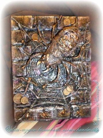 ДРУЗЬЯ, привет!!! Создала три новых работы, хочу поделиться с Вами!  Сразу предупреждаю, фоток как всегда много, так что, будте готовы)) Первая: ключница-черепаха, встречала разнообразных черепашек у нас в Стране, дам ссылочки на некоторые, особо понравившиеся: https://stranamasterov.ru/node/649516#photo1 https://stranamasterov.ru/node/566948?c=favorite https://stranamasterov.ru/node/787452#photo1 https://stranamasterov.ru/node/720990#photo1 https://stranamasterov.ru/node/574214#photo1 это далеко не все конечно же, а сколько их других, не на панношках...мммм, красотулички: https://stranamasterov.ru/node/510781 https://stranamasterov.ru/node/674402#photo1 https://stranamasterov.ru/node/148673 https://stranamasterov.ru/node/714504 https://stranamasterov.ru/node/233300#photo1 https://stranamasterov.ru/node/445879#photo1 и это, понятно, тоже лишь капля в море фантазии наших Мастеров! Спасибо девочкам-вдохновительницам!!! Знаете, как иногда что то увиденное западает в душу и покоя не даёт, пока не сделаешь подобную штучку))) Но, естественно, хотелось свою, не повторимую и не похожую на других, оформление делала так же как в рыбке(https://stranamasterov.ru/node/815681), вот, принимайте, моя(пока) красотулька драгоценная и полезная Паст(как говорит моя младшенькая):  фото 33
