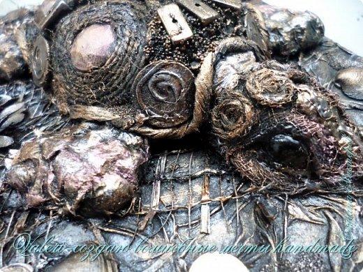 ДРУЗЬЯ, привет!!! Создала три новых работы, хочу поделиться с Вами!  Сразу предупреждаю, фоток как всегда много, так что, будте готовы)) Первая: ключница-черепаха, встречала разнообразных черепашек у нас в Стране, дам ссылочки на некоторые, особо понравившиеся: https://stranamasterov.ru/node/649516#photo1 https://stranamasterov.ru/node/566948?c=favorite https://stranamasterov.ru/node/787452#photo1 https://stranamasterov.ru/node/720990#photo1 https://stranamasterov.ru/node/574214#photo1 это далеко не все конечно же, а сколько их других, не на панношках...мммм, красотулички: https://stranamasterov.ru/node/510781 https://stranamasterov.ru/node/674402#photo1 https://stranamasterov.ru/node/148673 https://stranamasterov.ru/node/714504 https://stranamasterov.ru/node/233300#photo1 https://stranamasterov.ru/node/445879#photo1 и это, понятно, тоже лишь капля в море фантазии наших Мастеров! Спасибо девочкам-вдохновительницам!!! Знаете, как иногда что то увиденное западает в душу и покоя не даёт, пока не сделаешь подобную штучку))) Но, естественно, хотелось свою, не повторимую и не похожую на других, оформление делала так же как в рыбке(https://stranamasterov.ru/node/815681), вот, принимайте, моя(пока) красотулька драгоценная и полезная Паст(как говорит моя младшенькая):  фото 16