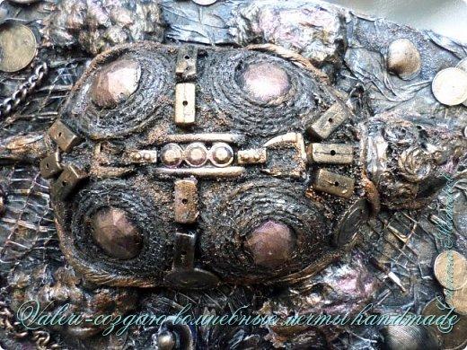 ДРУЗЬЯ, привет!!! Создала три новых работы, хочу поделиться с Вами!  Сразу предупреждаю, фоток как всегда много, так что, будте готовы)) Первая: ключница-черепаха, встречала разнообразных черепашек у нас в Стране, дам ссылочки на некоторые, особо понравившиеся: https://stranamasterov.ru/node/649516#photo1 https://stranamasterov.ru/node/566948?c=favorite https://stranamasterov.ru/node/787452#photo1 https://stranamasterov.ru/node/720990#photo1 https://stranamasterov.ru/node/574214#photo1 это далеко не все конечно же, а сколько их других, не на панношках...мммм, красотулички: https://stranamasterov.ru/node/510781 https://stranamasterov.ru/node/674402#photo1 https://stranamasterov.ru/node/148673 https://stranamasterov.ru/node/714504 https://stranamasterov.ru/node/233300#photo1 https://stranamasterov.ru/node/445879#photo1 и это, понятно, тоже лишь капля в море фантазии наших Мастеров! Спасибо девочкам-вдохновительницам!!! Знаете, как иногда что то увиденное западает в душу и покоя не даёт, пока не сделаешь подобную штучку))) Но, естественно, хотелось свою, не повторимую и не похожую на других, оформление делала так же как в рыбке(https://stranamasterov.ru/node/815681), вот, принимайте, моя(пока) красотулька драгоценная и полезная Паст(как говорит моя младшенькая):  фото 2