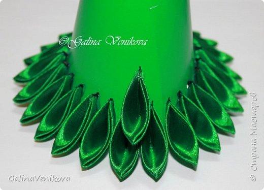Мастер-класс Поделка изделие Новый год Цумами Канзаши Раз два три - ёлочка  готова Картон Клей Ленты фото 20