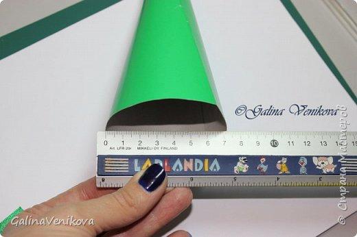 Мастер-класс Поделка изделие Новый год Цумами Канзаши Раз два три - ёлочка  готова Картон Клей Ленты фото 6