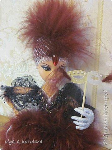 Слепила куклу из папье-маше, а голову взяла от старой куклы.