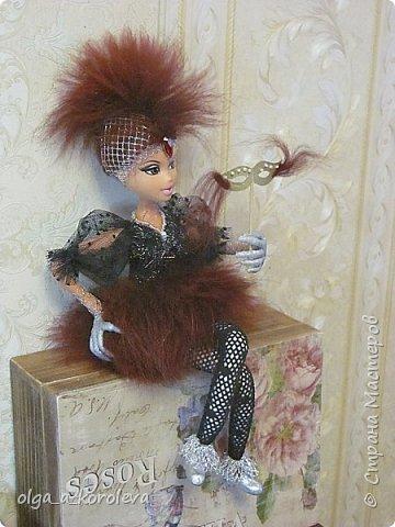 Слепила куклу из папье-маше, а голову взяла от старой куклы. фото 2