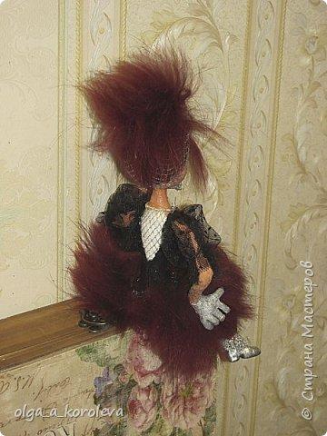 Слепила куклу из папье-маше, а голову взяла от старой куклы. фото 5