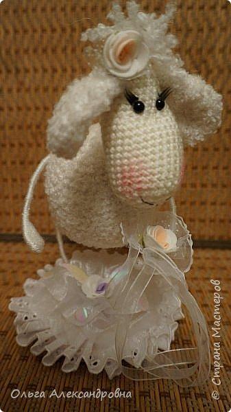 Мастер-класс Поделка изделие Новый год Вязание крючком Гламурная овечка описание Нитки Проволока Пряжа фото 1