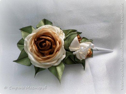 ДРУЗЬЯ, привет!!!!!  У меня дебют в канзаши, правда пробовала когда то делать бабочек и мелкие цветочки, так и не было случая попрактиковаться, но вот и пришло время и мне окунуться в прекрасный мир волшебных лент!!! Седьмого ноября у первой крестницы день рождения, как я и писала у меня две крестницы и обе Виктории! Так вот к основному подарку я решила сделать не большое дополнение, в виде заколочек и резиночек, а так как у крестницы есть старшая сестричка, то что бы не было обидно, сделала комплектик и для неё! Готовьтесь фоток много, кроме канзашек делала повторюшки и новые работы, да и не всё выкладываю, оставлю ещё на следующий раз. фото 5