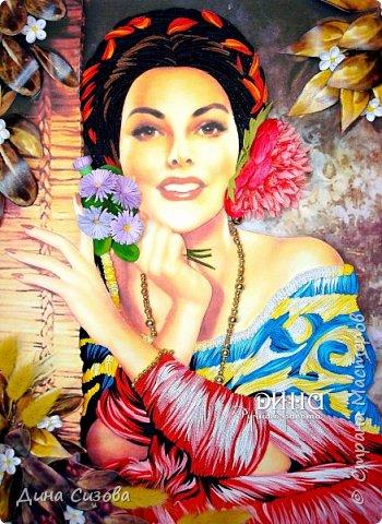 """Добрый вечер мастера замечательной Страны! Сегодня познакомлю Вас с новой работой -  """"Мексиканка"""". За основу взята картина мексиканского художника Jesus Helguera. Все сделано из полос 2 мм. Цветок в волосах - из фома."""