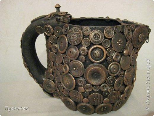 """Если вам лень идти до помойки, чтобы выбросить старый чайник, и есть пара часов свободного времени, то скорее беритесь за работу, и ваш """"мусор"""" превратится в такую вазу или кашпо, или просто в емкость для хранения каких-либо мелочей... фото 1"""