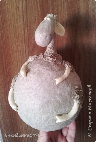 Мастер-класс Поделка изделие Новый год Папье-маше Овечка-копилка   Бумага Клей Краска Тесто соленое фото 17