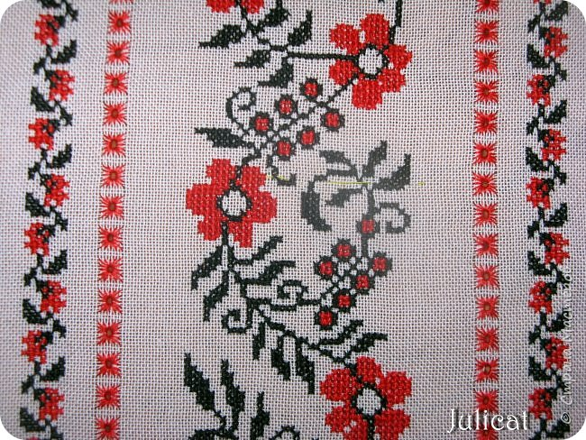 Украинская вышиванка для