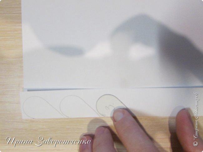 Картина панно рисунок Мастер-класс Валентинов день Аппликация Бумагопластика Панно из сердечек Белое на красном + МК Бумага Клей фото 5