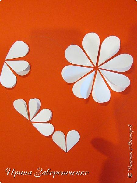 Картина панно рисунок Мастер-класс Валентинов день Аппликация Бумагопластика Панно из сердечек Белое на красном + МК Бумага Клей фото 11