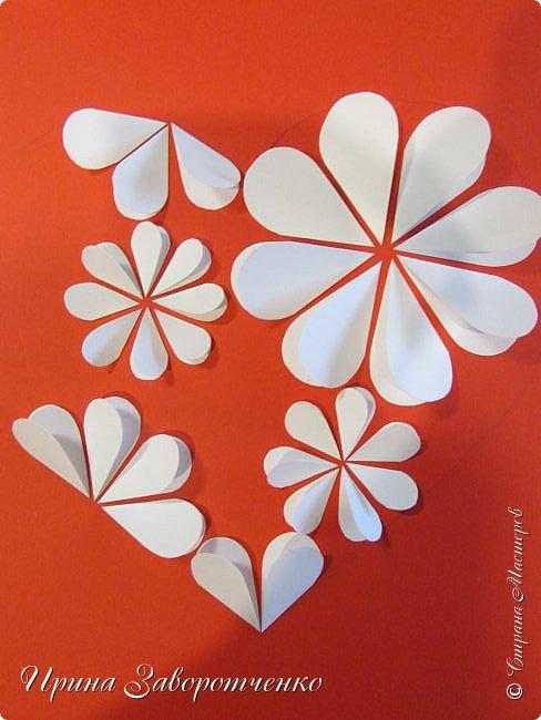Картина панно рисунок Мастер-класс Валентинов день Аппликация Бумагопластика Панно из сердечек Белое на красном + МК Бумага Клей фото 13