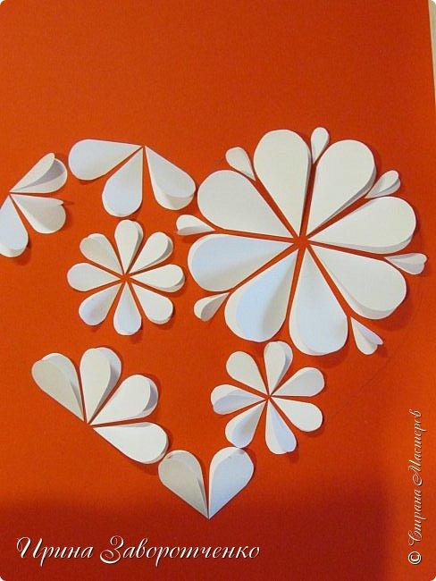 Картина панно рисунок Мастер-класс Валентинов день Аппликация Бумагопластика Панно из сердечек Белое на красном + МК Бумага Клей фото 15
