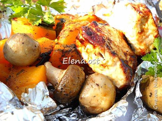 Тыква хороша и вкусна в любом виде. Решила попробовать приготовить еще и в углях. Идем на природу, любуемся осенью и конечно же балуем себя вкусными блюдами, приготовленными на костре.  фото 8