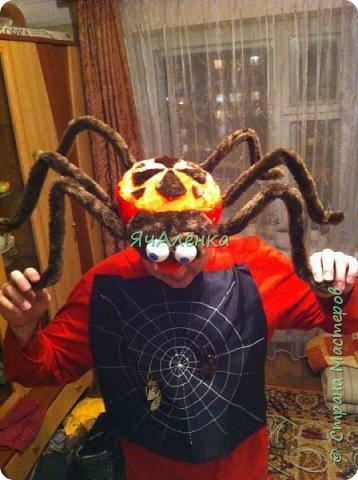 """Здравствуйте,дорогие жители страны! Мои мальчишки играли в сценке """"буратино"""" вместе с папой и были пауками! Пришлось выдумывать костюмы и вот,что из этого получилось... Веселая компания пауков деток и папы паука!)))    фото 6"""