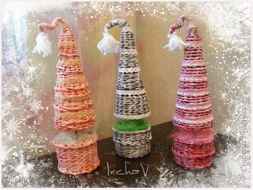 Мастер-класс Поделка изделие Новый год Плетение Плетение из газет Как я плела ёлку Бумага фото 1