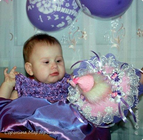 Любимой внученьке Диане исполнился годик, в дополнение к основному подарку сделала маленький букетик из игрушки. фото 3