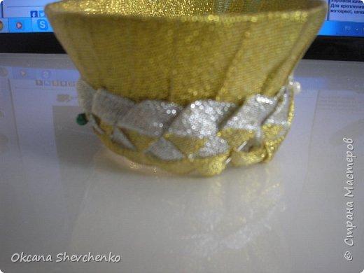 Мастер-класс Поделка изделие Украшение Новый год Цумами Канзаши Делать было нечего сделала корону Бутылки пластиковые Ленты фото 8