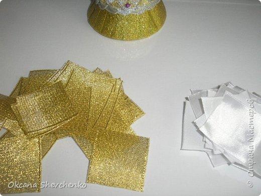 Мастер-класс Поделка изделие Украшение Новый год Цумами Канзаши Делать было нечего сделала корону Бутылки пластиковые Ленты фото 9