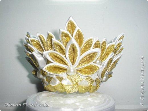 Мастер-класс Поделка изделие Украшение Новый год Цумами Канзаши Делать было нечего сделала корону Бутылки пластиковые Ленты фото 12