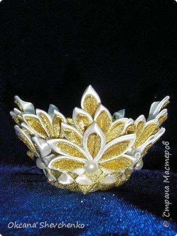 Мастер-класс Поделка изделие Украшение Новый год Цумами Канзаши Делать было нечего сделала корону Бутылки пластиковые Ленты фото 16