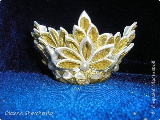 Мастер-класс Поделка изделие Украшение Новый год Цумами Канзаши Делать было нечего сделала корону Бутылки пластиковые Ленты фото 1