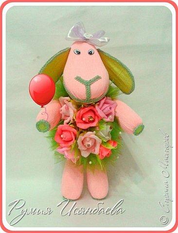 Мастер-класс Свит-дизайн Новый год Моделирование конструирование ~Розовая БЯША в шубке из роз МК~ Бумага гофрированная Бусины Картон Клей Кружево фото 1