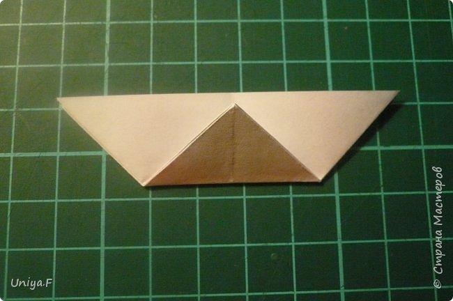 """Эта звездочка из 5 модулей смотрится очень лучисто и рельефно. Имеет односторонний эффект, хороша из градиентной бумаги. Подойдет для кусудам. Как снежинку можно сделать из 6 модулей.  Name: Toccata star  Collection origami stars """"Philharmonia"""" Designer: Uniya Filonova   Units: 5  Paper: 7,5 x 7,5 cm   Final diameter: 9 cm  Joint: no glue  фото 5"""