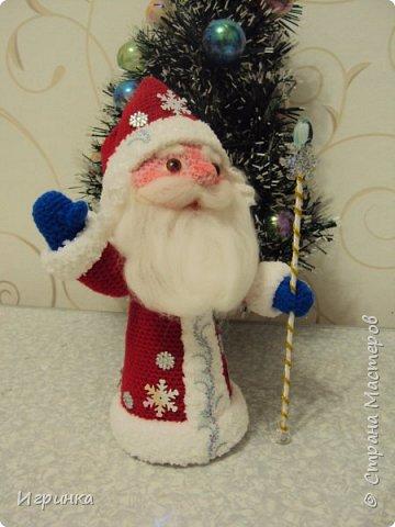 Здравствуйте, дорогие мастера и мастерицы! Сегодня на Ваш суд представляю целый новогодний десант, а первой - эту крохотулю, цветочную овечку из онлайна Solka(Олечки) с форума амигуруми. Мне она безумно нравится - спасибо огромное Оленьке за это маленькое чудо! фото 9