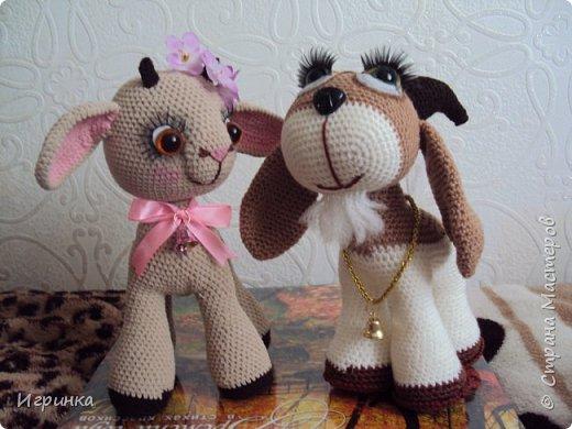 Здравствуйте, дорогие мастера и мастерицы! Сегодня на Ваш суд представляю целый новогодний десант, а первой - эту крохотулю, цветочную овечку из онлайна Solka(Олечки) с форума амигуруми. Мне она безумно нравится - спасибо огромное Оленьке за это маленькое чудо! фото 7