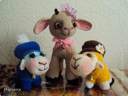 Здравствуйте, дорогие мастера и мастерицы! Сегодня на Ваш суд представляю целый новогодний десант, а первой - эту крохотулю, цветочную овечку из онлайна Solka(Олечки) с форума амигуруми. Мне она безумно нравится - спасибо огромное Оленьке за это маленькое чудо! фото 8