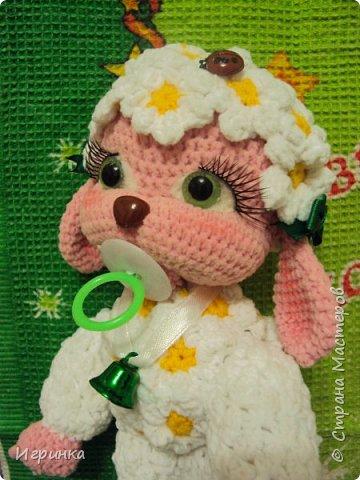 Здравствуйте, дорогие мастера и мастерицы! Сегодня на Ваш суд представляю целый новогодний десант, а первой - эту крохотулю, цветочную овечку из онлайна Solka(Олечки) с форума амигуруми. Мне она безумно нравится - спасибо огромное Оленьке за это маленькое чудо! фото 1