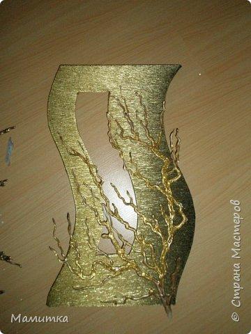 Декор предметов Поделка изделие Украшение Моделирование конструирование Пано из пистолетного клея Бумага гофрированная Клей фото 3